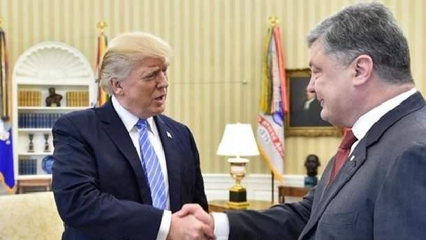 В АП требуют опровергнуть информацию о проплаченной встрече Трампа и Порошенко