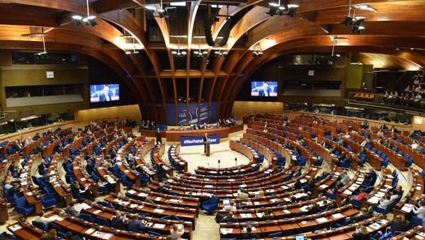 В ПАСЕ призвали Россию немедленно освободить Олега Сенцова