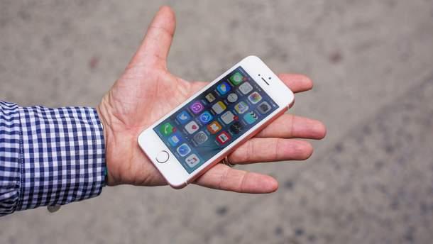 Какой материал будет наилучший для смартфона
