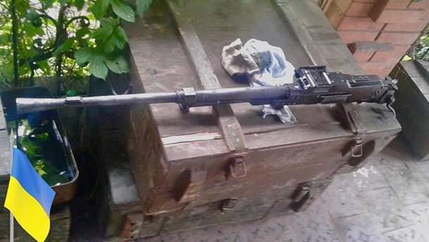 Захваченный у пророссийских боевиков пулемет Калашникова