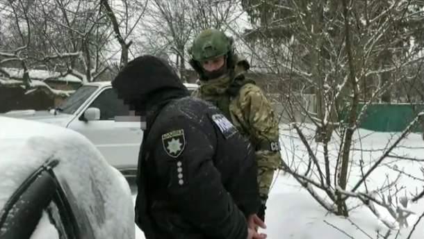 В Запорожье задержали офицера полиции за сбыт метамфетамина