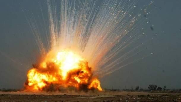 На Донетчине загорелся склад с боеприпасами