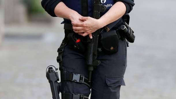 В Бельгии, во время погони за беженцами, полиция застрелила двухлетнюю девочку