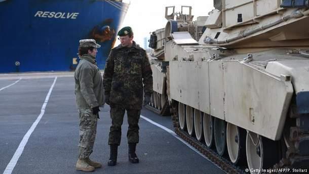 Учения НАТО: в страны Балтии и Польшу США перебрасывают тысячи боевых машин