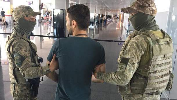 """У """"Борисполі"""" прикордонники затримали іранця, який заявив, що він терорист"""