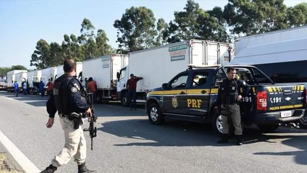 В Бразилии протесты водителей грузовиков останавливают с помощью армии