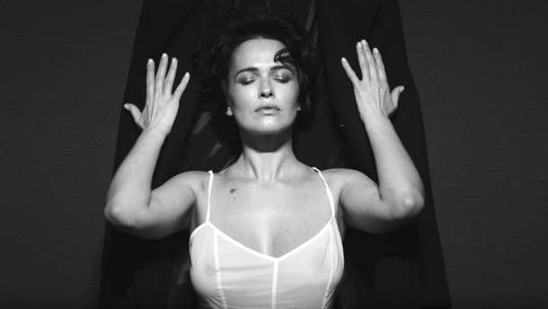 Даша Астаф'єва приголомшила новим звабливим образом: гарячі фото