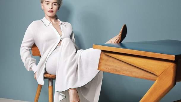 Эмилия Кларк примерила образ бизнес-леди