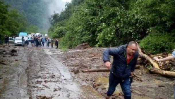 Масштабный оползень на Закарпатье