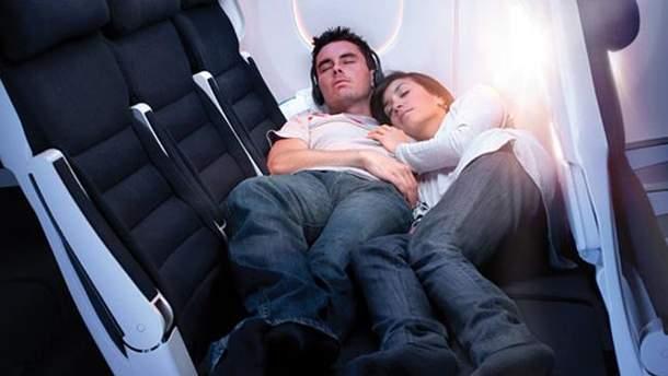 Почему родственникам опасно сидеть на разных местах в самолете