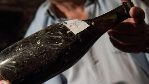 Французское вино из региона Юра