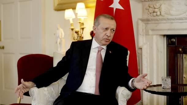 Эрдоган призывает турков менять евро и доллары на лиры