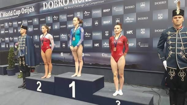 Диана Варинская добыла три золотые награды