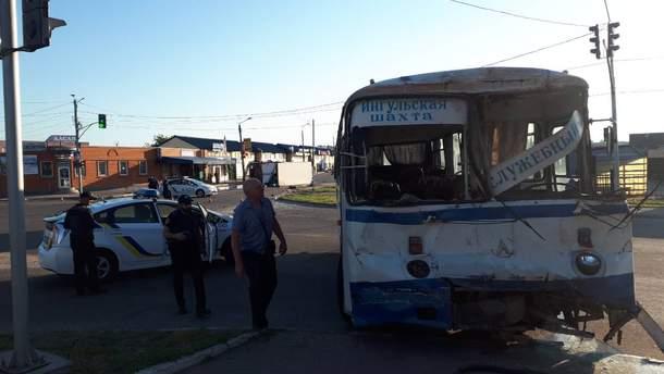 Автобус, перевозивший шахтеров, попал в ДТП на Кировоградщине