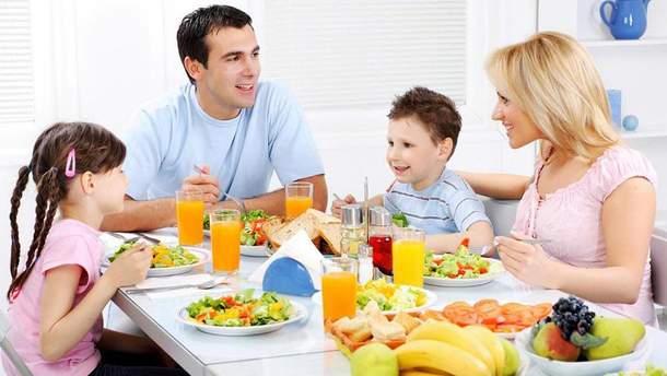 Як привчити дитину до здорового харчування