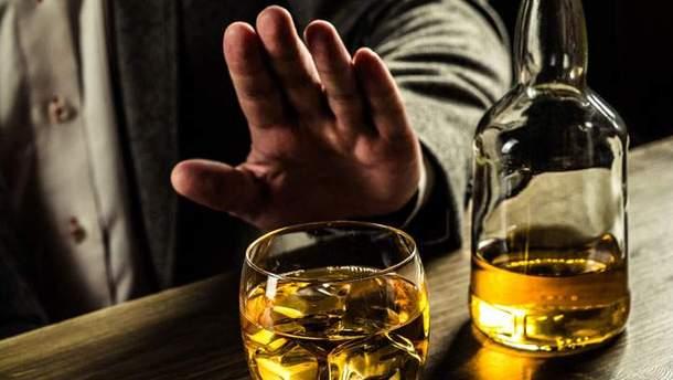 Кому не можна вживати алкоголь