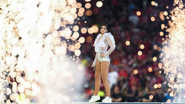 Дуа Ліпа на відкритті фіналу Ліги чемпіонів у Києві