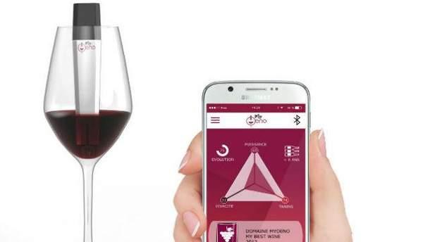 Гаджет определяет прочность и состав вина