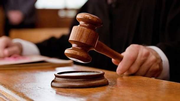 Община Золочева зовет на суд предпринимателей, которые захватили часть центральной площади