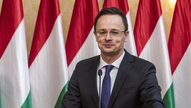 """Сійярто вперше похвалив український уряд за ініціативу щодо зміни закону """"Про освіту"""""""