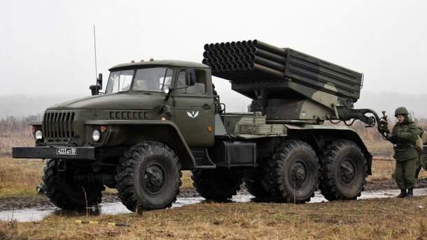 В оккупированном Донецке ночью разъезжала военная техника