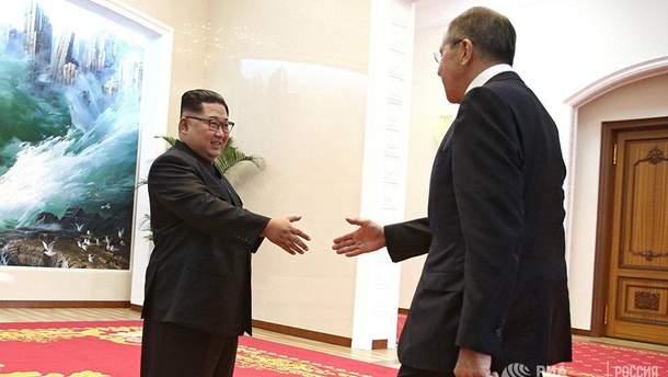 Стало известно, что Лавров подарил Ким Чен Ыну