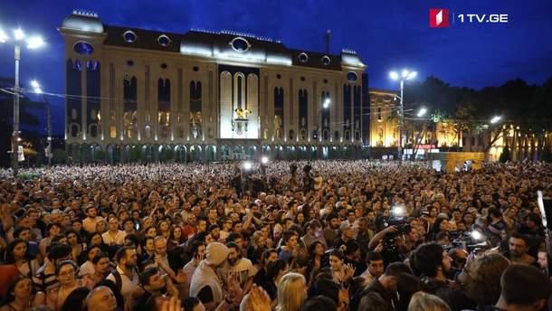 Грузины вышли на массовые протесты: требуют отставку правительства