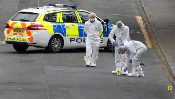В Шотландии мужчина нанес ножевые ранения полицейским