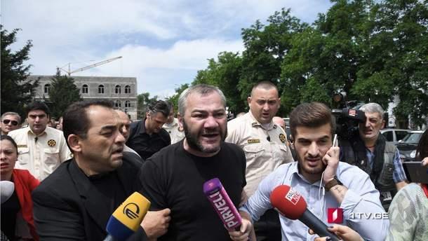 Батько одного із вбитих хлопчиків Заза Саралідзе вимагає покарати убивць свого сина