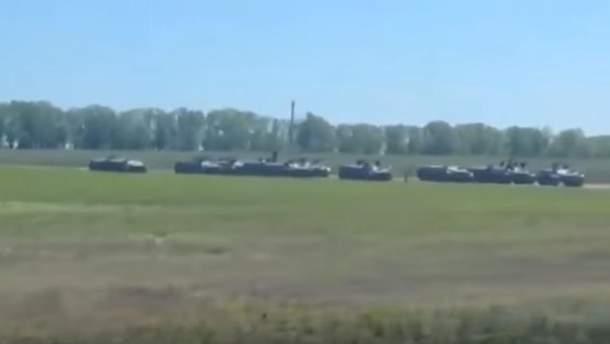 На российско-украинской границе обнаружили колонну военной техники РФ