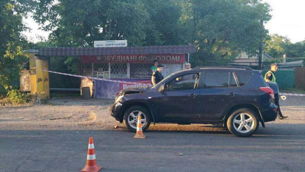 Авто на скорости сбило женщину с ребенком в Одессе