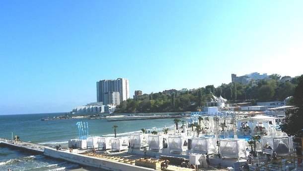 Одесские рестораны угрожают сжечь, если те не освободят пляжи