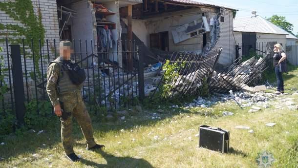 Последствия взрыва в частном доме в городе Лисичанск