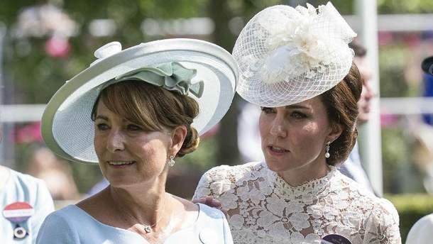 Кэрол Миддлтон с дочерью Кейт