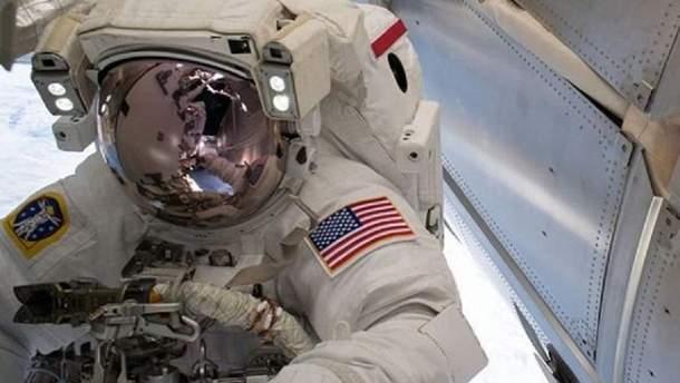 Астронавты вернулись на Землю