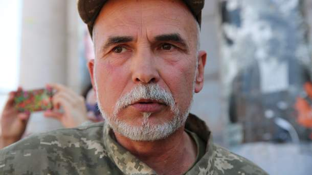 Волонтер Сергей Сериков