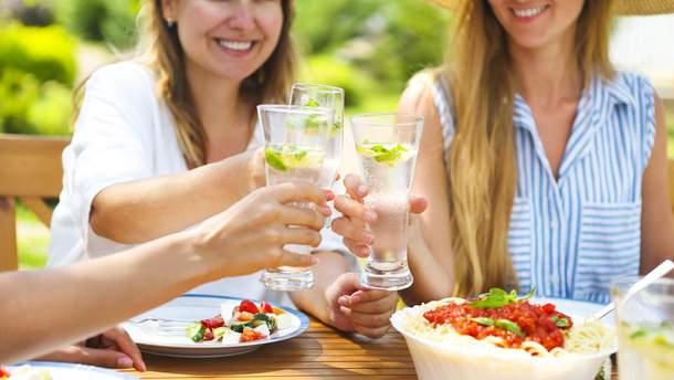 Топ-5 освежающих напитков, которые можно приготовить самостоятельно
