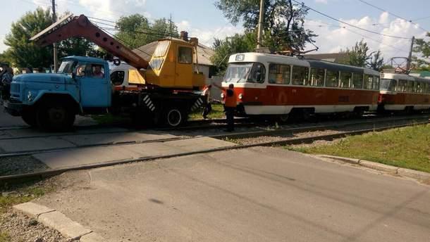 В Харькове трамвай наехал на пешехода: мужчине ампутировали ноги