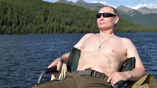 Путін прокоментував свої напівголі фото