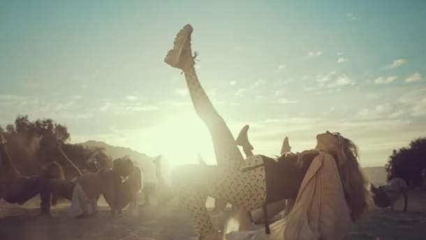 """Кадр з відеокліпу Світлани Лободи """"SuperSTAR"""""""