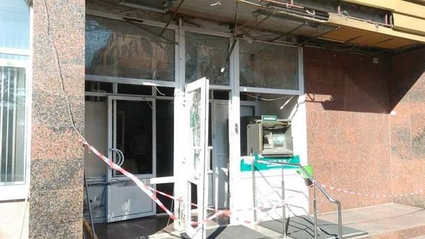 В Кропивницком на пороге банка сработала взрывчатка