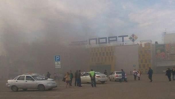 Пожар в ТРЦ начался после взрыва, свидетельствуют очевидцы