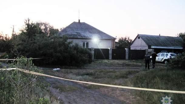На Донетчине бросили три гранаты в жилой дом