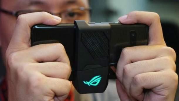 Asus представила мощный смартфон ROG