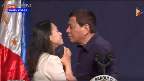 Президент Филиппин спровоцировал очередной скандал