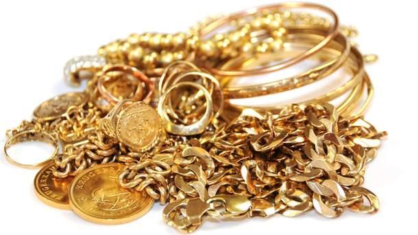Мошенница выманивала золото у матери больного ребенка