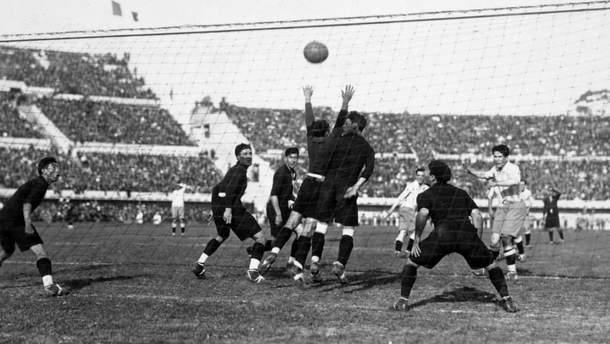 Зірковий аргентинець Гільєрмо Стабіле забиває гол на ЧС-1930
