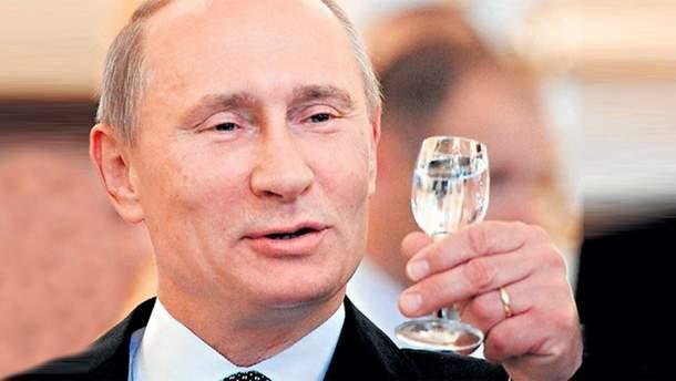 Путін розповів, як пив горілку та їв ковбасу з китайським лідером