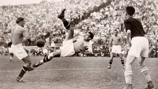 Збірна Італії атакує