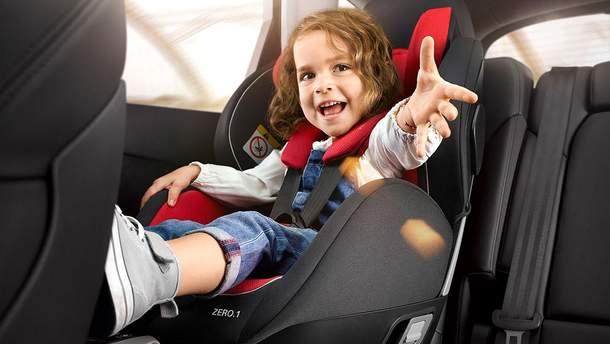 Обов'язково садіть дитину у автомобільне крісло